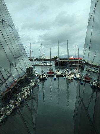 Hafnarfjordur, Islandia: vista das janelas do museu