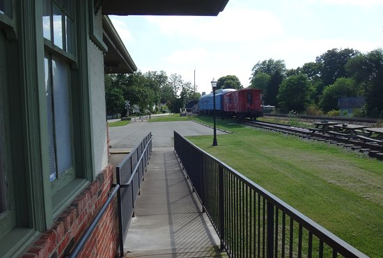 La Grange, KY: Looking from museum towards outside train display trains