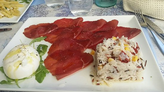Porto Ceresio, Italy: Freschezza estiva....