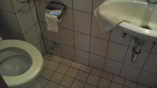 Wastafel kamer 32 bild von landhaus müller alken tripadvisor
