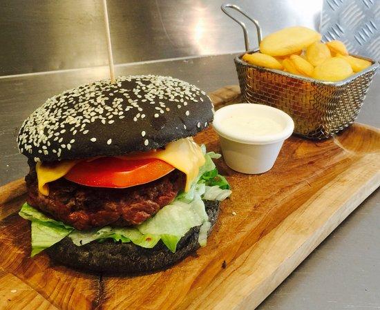 Aubagne, Prancis: Le black burger