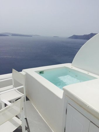 Canaves Oia Hotel: Small private pool, perfect for dipping in and out.