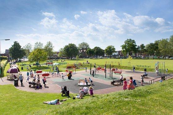 Tenterden Recreation Ground Play Park, photo: Lewis Brockway