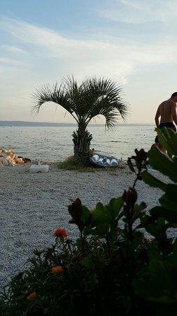 Podstrana, Croacia: Utsikt fra bordet vårt
