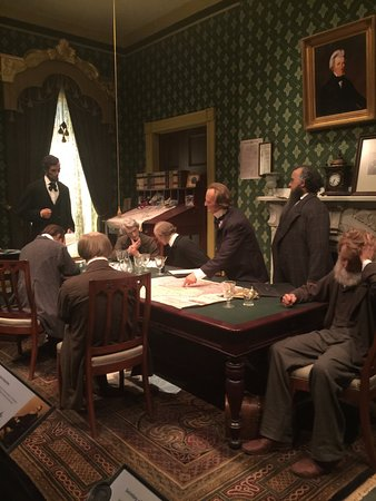 Abraham Lincoln Presidential Library and Museum: War Cabinet