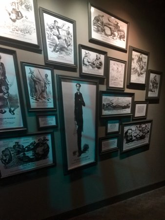 Abraham Lincoln Presidential Library and Museum: Slanted media depictions