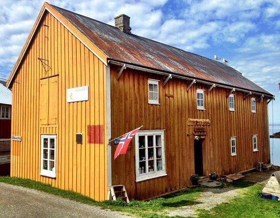 Vega, Norwegia: E-huset