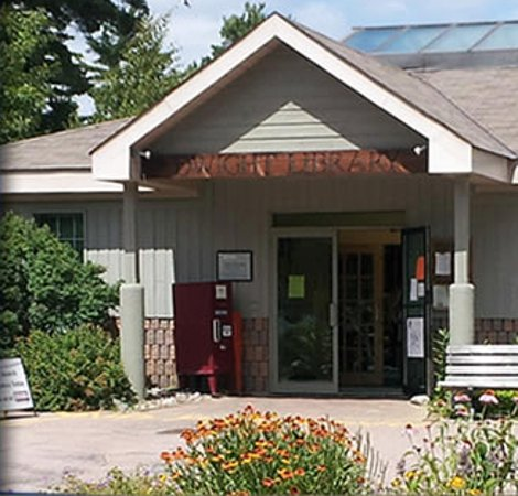 Dwight Branch of the Lake of Bays Library