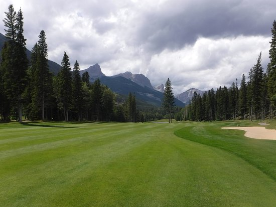 Stewart Creek Golf & Country Club: Big Wide fairways