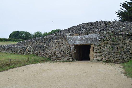 Locmariaquer, Γαλλία: Eingang Grabstätte