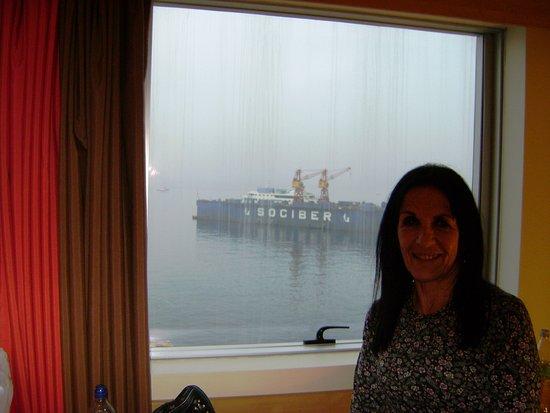 Ibis Santiago Providencia: frente al puerto (casi en un barco!)