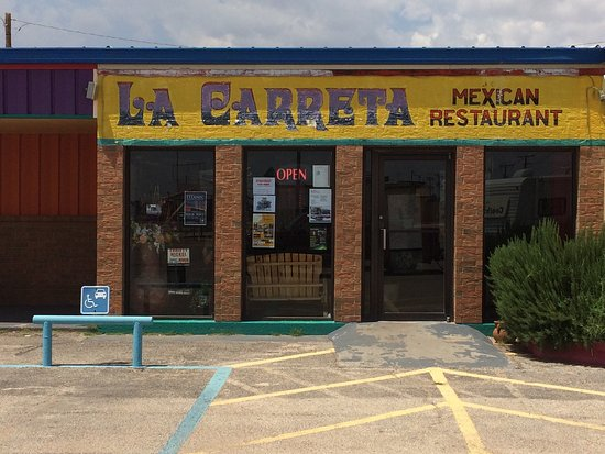 Andrews, TX: Very friendly service & the food was very good. Great salsa! Restaurant is very clean & decorate