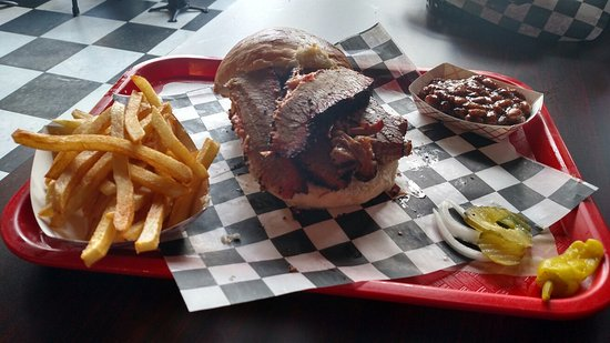 Suffolk, VA: Delicious BBQ worth the visit