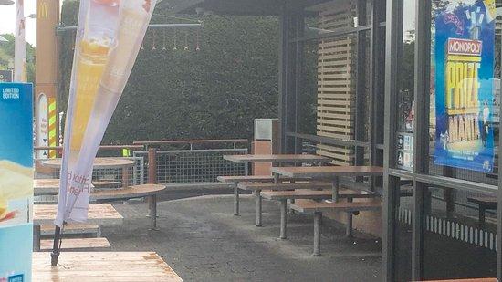 Castlebar, أيرلندا: Outdoor Seating
