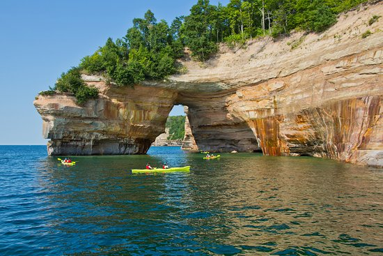 ‪Pictured Rocks Kayaking‬