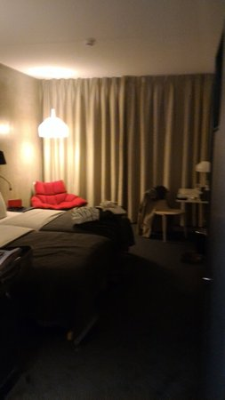 Solna, Suecia: P_20160728_223316_large.jpg