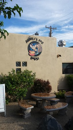 Mesilla, NM: Andele's Dog House is across the street from Andele's Restaurant.