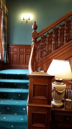 Wellpark House: Stairway to second floor guest rooms