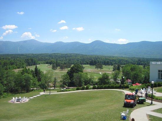 Omni Mount Washington Resort Bretton Woods Golf Course: back yard and golf course