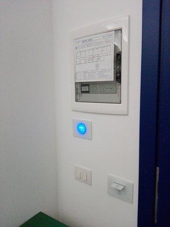 هوتل هوتل إيدن: Airco gerenoveerde kamer werkte uitstekend. Was wel nodig met temp. rond 33 graden