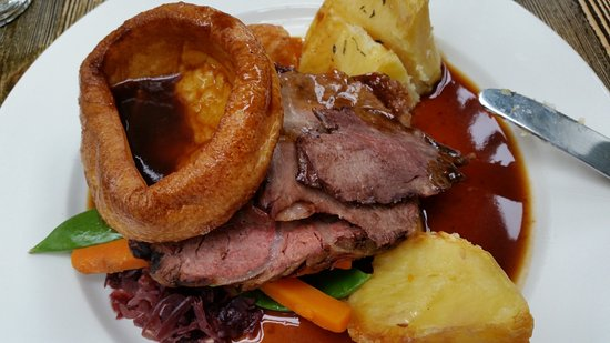 Хенли-он-Темз, UK: Sunday Lunch