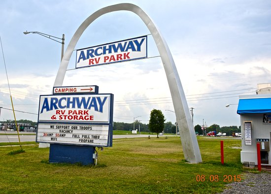 Mount Vernon, Илинойс: Entrance To Archway RV Park