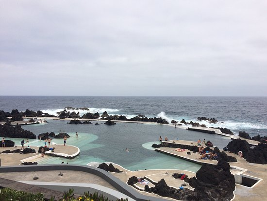Porto Moniz Natural Swimming Pools: Superbe paysage