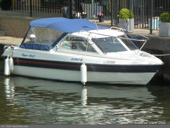 Bowness-on-Windermere, UK: 'Glorietta' (Premium Boat)