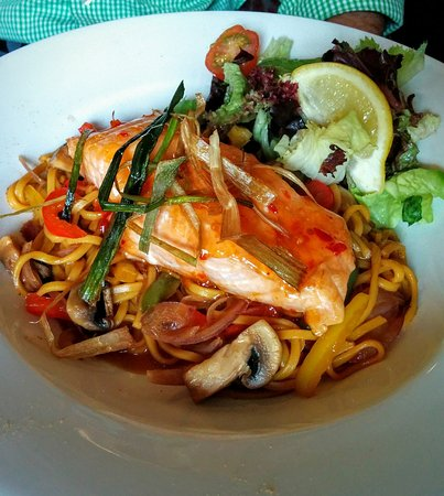 Vaynol Arms: Sweet Chilli Salmon, Noodles, Stir Fried Vegetables