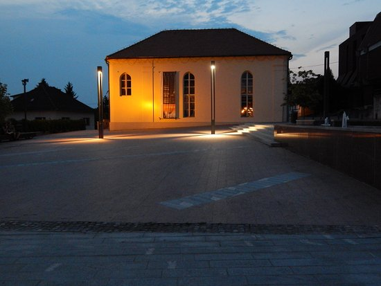 Lendava, Synagogue at night