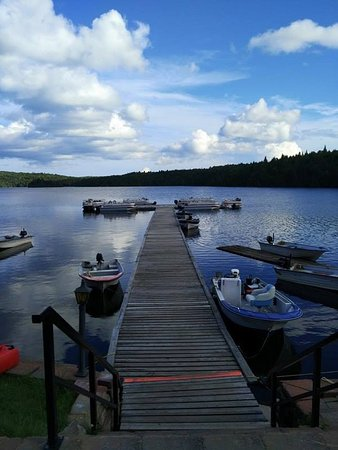 Saint Zenon, Canada : The docks leading to the fishing boats
