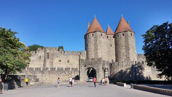 ruelle photo de ch teau et remparts de la cit de carcassonne carcassonne tripadvisor. Black Bedroom Furniture Sets. Home Design Ideas
