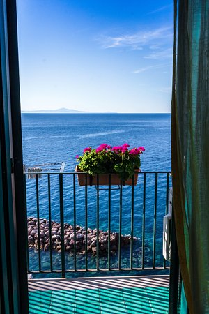 Atrani, Italy: Door way to heaven...