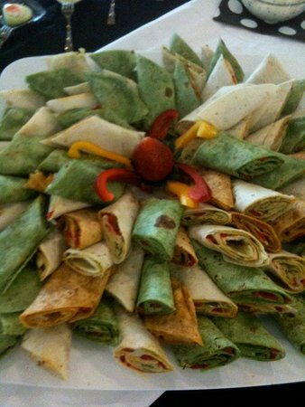 Ocoee, FL: Whole wheat Turkey wraps and  Mediterranean Vegetarian wraps made for Catering orders.