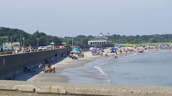 Narragansett Beach: 20160728_160135_large.jpg