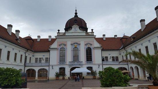 Godollo, Węgry: la facciata dal lato del parco