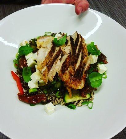 Sandnes, Νορβηγία: Quinoa salad with Chicken