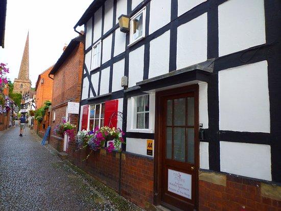 Ledbury, UK: Mrs Muffins apartment & Tea Rooms