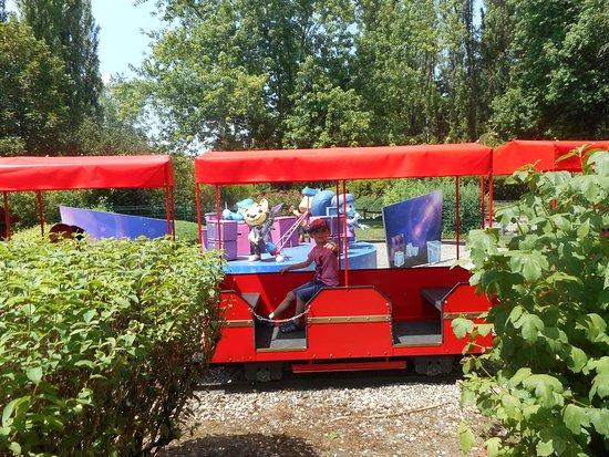 Les Avenieres, Francja: Petit train pour les enfants