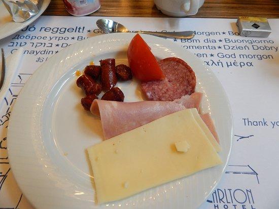 Carlton Hotel Budapest: Breakfast