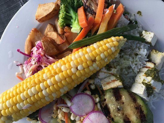 Thomaston, ME: summer veggie plate