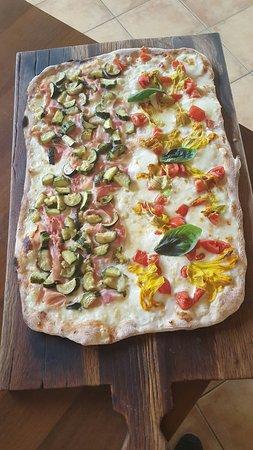 I nostri mezzi metro...alla pizzeria bella Napoli a Empoli via carraia 11...