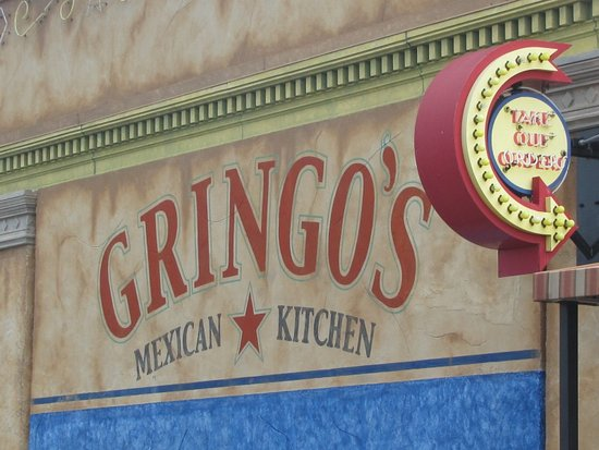Gringo's Mexican Kitchen: Inside seating (next to large bar area