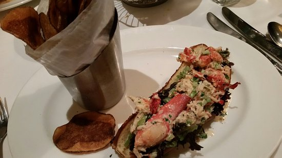 King of Prussia, Pennsylvanie : Lobster roll with chips