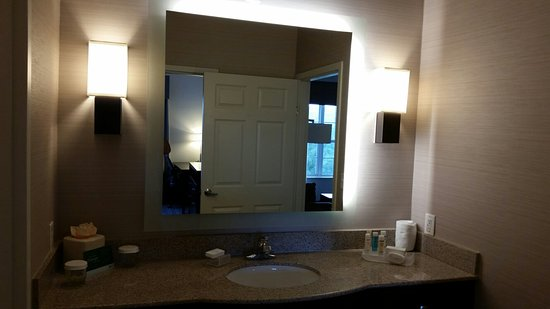 Mahwah, NJ: Lovely suite