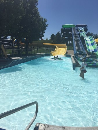 Roaring Springs Waterpark: photo0.jpg