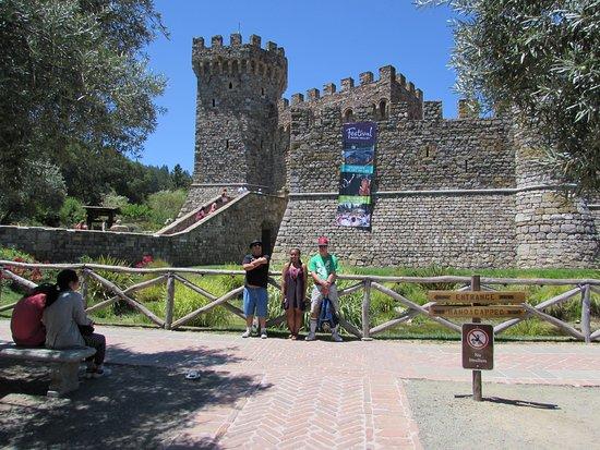 Castello di Amorosa: Such a beautiful place
