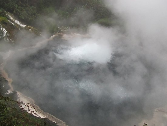 Waikite Valley Thermal Pools: Te Manaroa Spring (white patch at centre)
