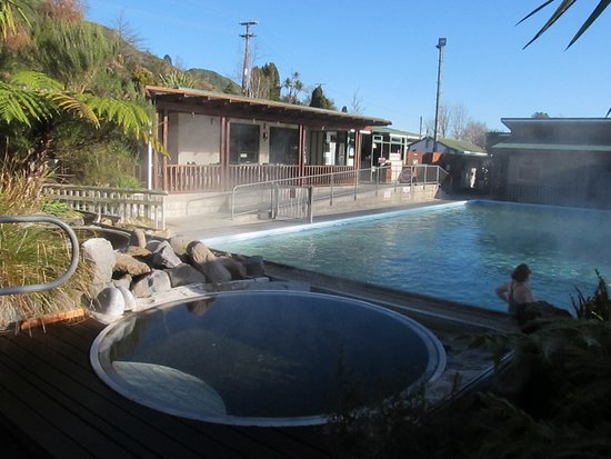 Waikite Valley Thermal Pools: Soak pool, Settlers Pool and shop