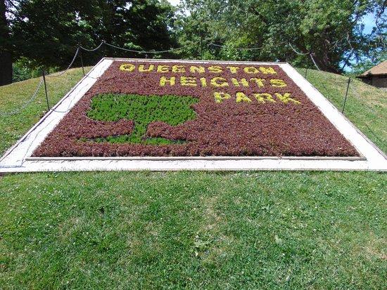Queenston Heights Park: Entrance landscape